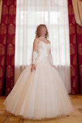 Продам свадебное платье коллекции 2012 года