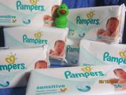 Влажные салфетки Johnson's Baby и влажные салфетки Pampers® sensitive